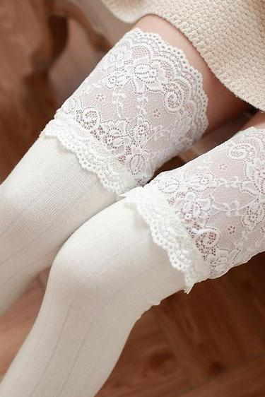 Free Shipping 3 Colors Kawaii Flowers Lace Over Knees Legging LK15083103